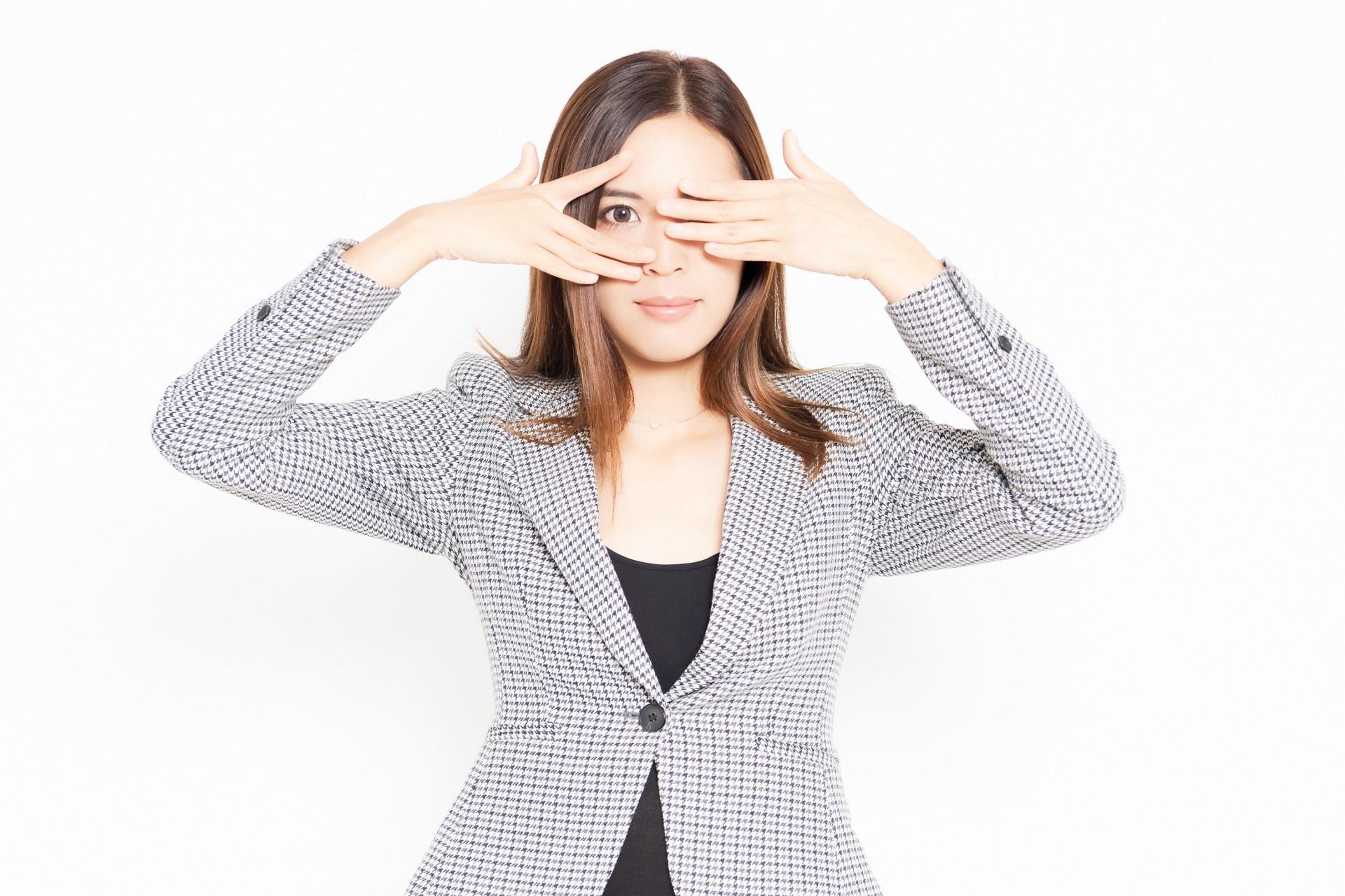 左右の目の大きさが違う!二重幅を同じに揃える方法とは?